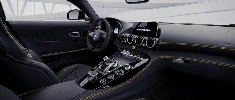 Mercedes AMG GT-R von innen bei mach2cars in Stuttgart
