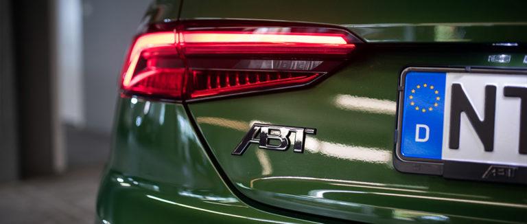 Audi ABT RS5-R von hinten links in der Autovermiietung mach2cars in Stuttgart