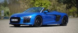 Audi R8 V10 Spyder vorne frontal in der Autovemietung mach2cars