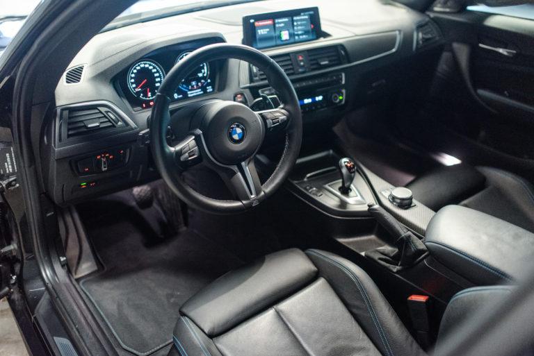 Innenausstattung eines BMW von mach2cars in Stttugart